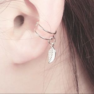 Jewelry - Gold delicate Boho hanging feather ear cuff clip
